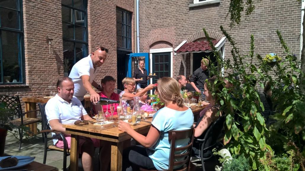 restaurant 'Over' draait - pop up - proef met genodigden op een geheime locatieop 9 augustus 2015 in in Haarlem.